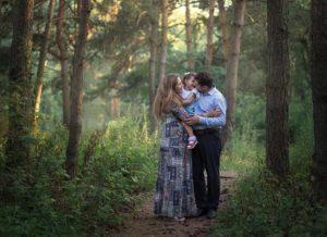 семейный портрет в лесу